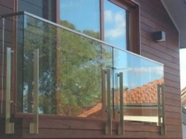 Semiframeless glass pool fencing Gold Coast 22